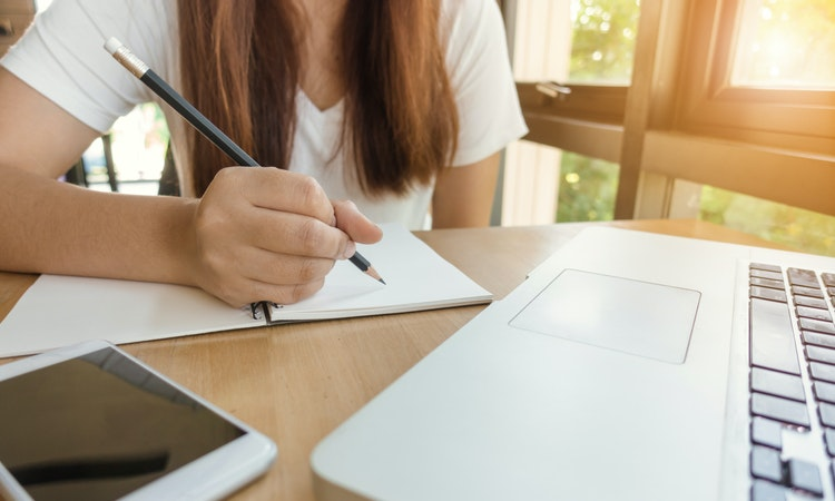 Everything You Need To Know About Critical Writing to Complete Your Assignment